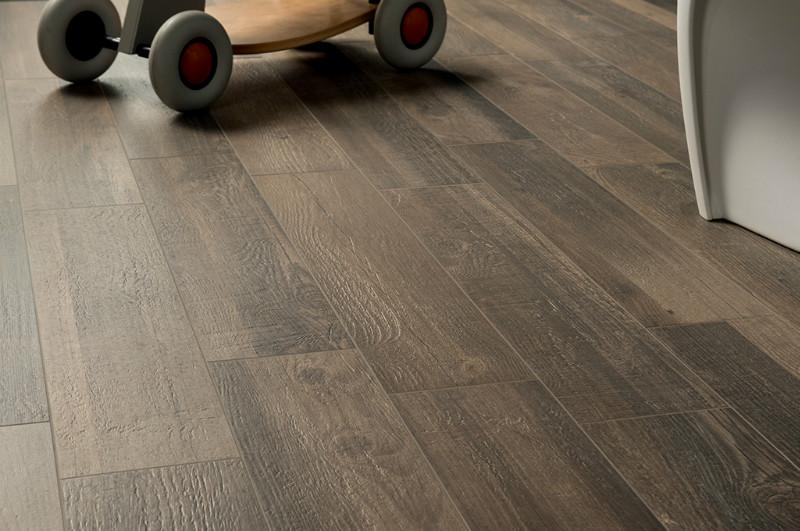 Pavimenti gres porcellanato fioranese for Opinioni gres porcellanato effetto legno